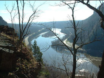 delaware water gap in theh poconos